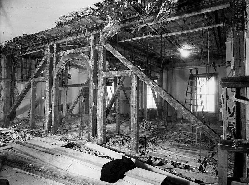 Travaux intérieurs de rénovation du sol et des murs de la Maison Blanche