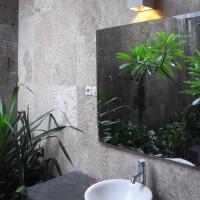 Enlever la moisissure dans sa salle de bain