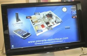 contrôle d'une maison domotique avec un téléphone ou une tablette