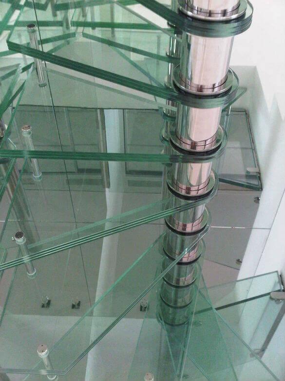 Prix d un escalier en verre - Prix d un verre en cristal ...