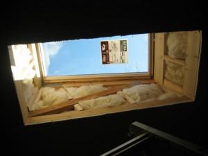 Poser un velux for Habillage fenetre de toit