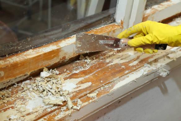 Peindre une fen tre en bois for Peindre une porte en bois sans poncer
