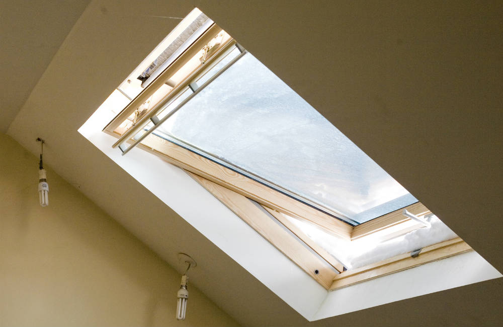 Dimension velux for Fenetre pvc basculante