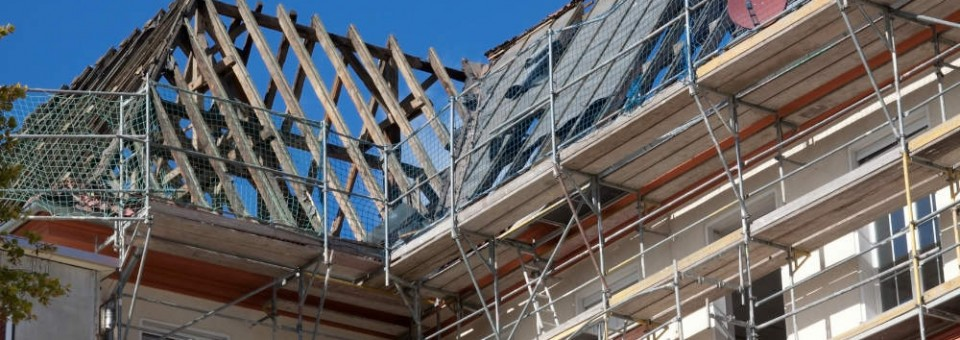 Maison en travaux guide travaux pour r ussir vos projets r novation for Isolation toiture prix