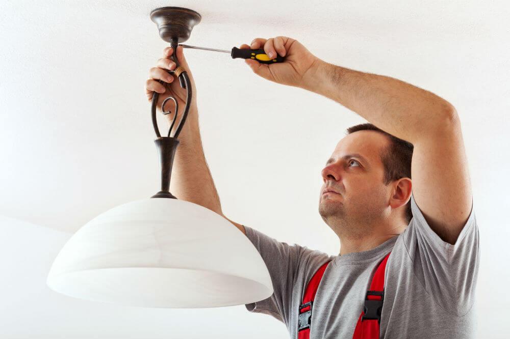 Comment poser une suspension lectrique - Comment installer un lustre ...
