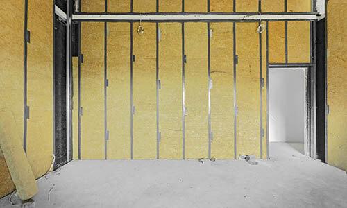 Poser une porte dans une cloison en placo - Comment isoler une porte du bruit ...