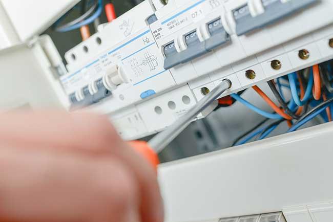 choisir coffret composants électricité