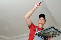 Préparer le plafond avant de peindre