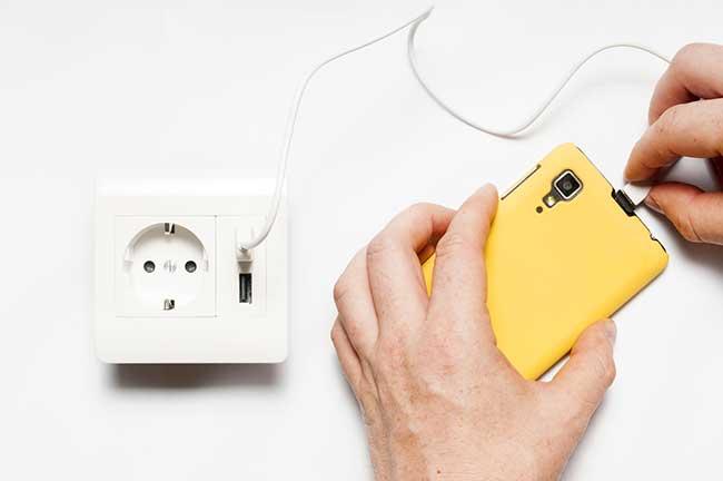 Prix et branchement d une prise usb murale - Comment monter une prise electrique ...