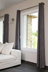 isolant fenetre rideaux