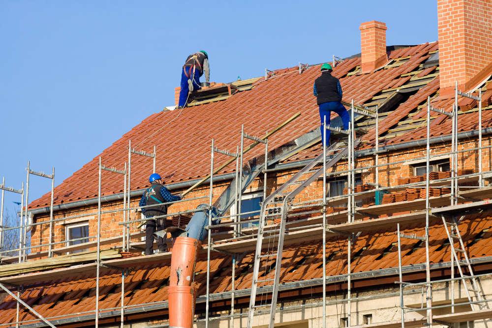 Infiltration toiture comment r agir - Comment faire un toit en zinc ...