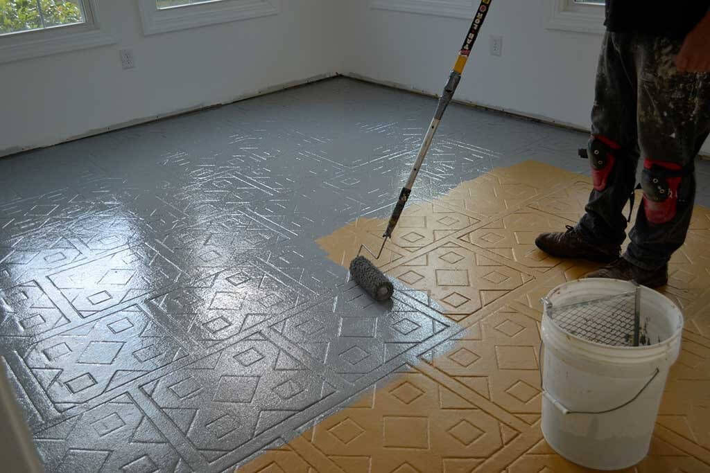 Comment peindre du carrelage for Carrelage au plafond