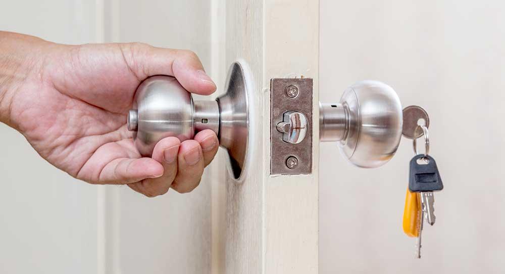 Tout Savoir Sur Les Serrures De Porte Dentrée - Porte placard coulissante avec changer serrure porte blindée