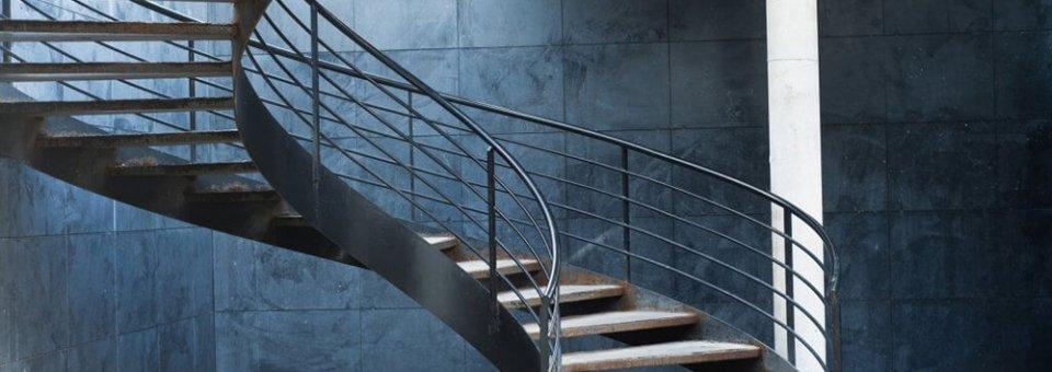Maison en travaux guide travaux pour r ussir vos projets r novation - Poser un escalier en colimacon ...