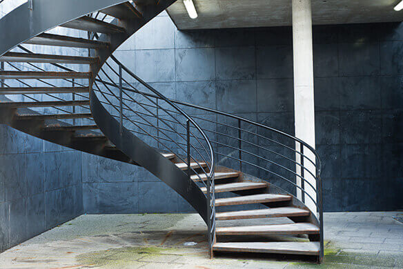 S curit et normes pour un escalier for Como hacer una escalera caracol metalica