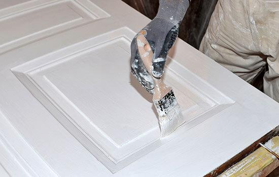 peindre porte bois intérieure