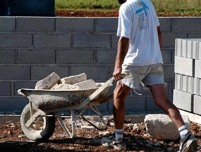 tarif maçon construction mur parpaing