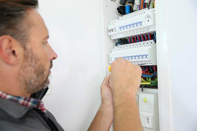salaire électricien bâtiment