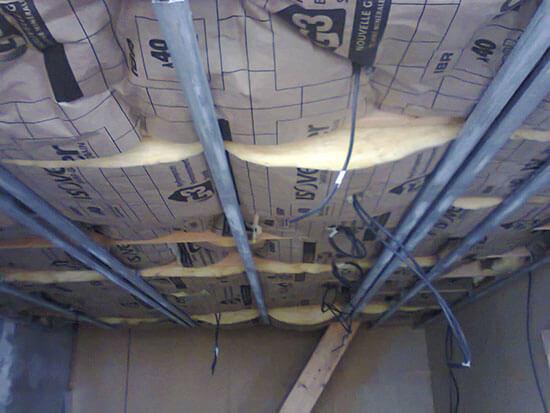 plafond suspendu avec isolant