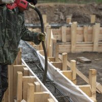 Construire un mur en béton banché : usages et prix