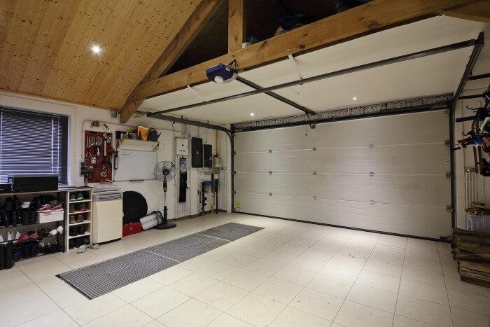 isoler porte garage